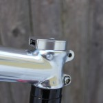 サイクリングしながら充電、USB端子付きヘッドキャップ