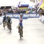 自転車の世界選手権で圧勝のガッツポーズ、でも・・・・